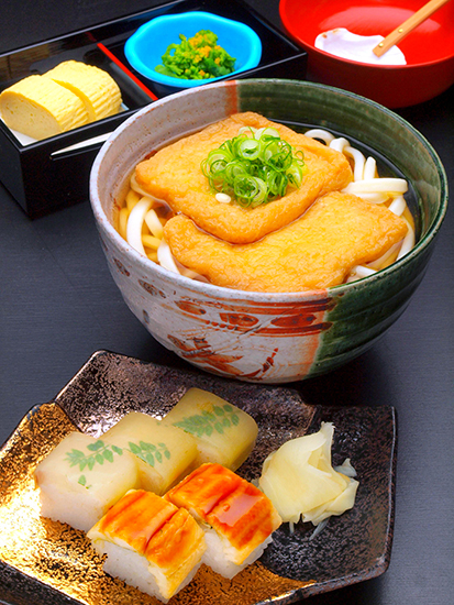 Kitsune Set (noodles with dashi soaked deep-fried tofu)